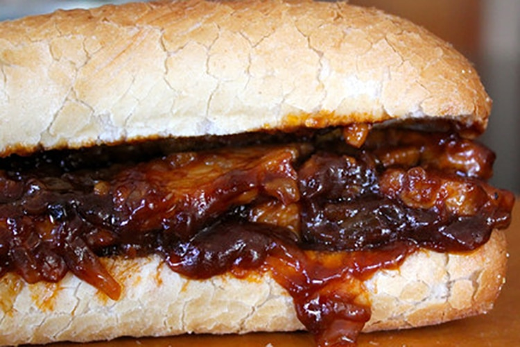 barbecue-tempeh-sandwich