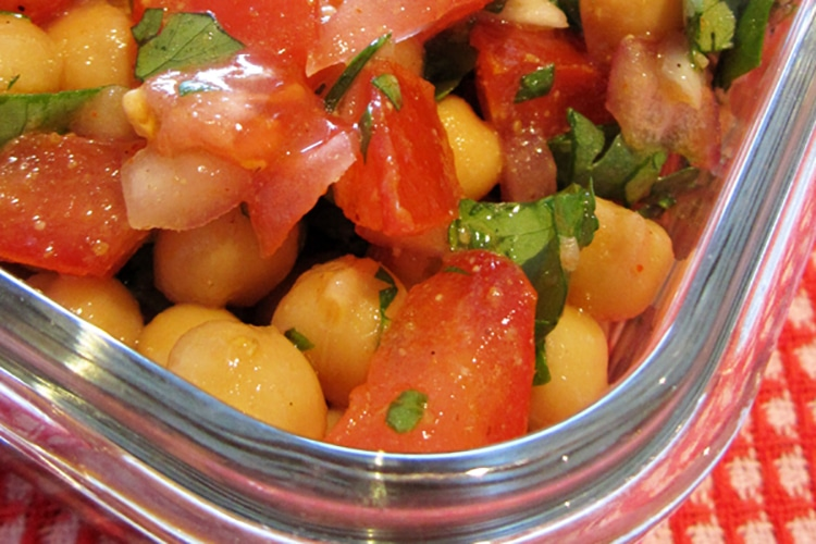 mexican-chickpea-salad