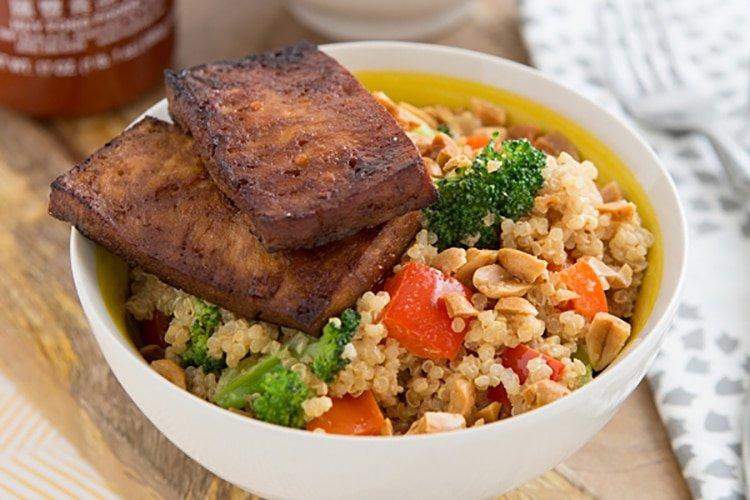 peanutty-quinoa-bowls-with-baked-tofu