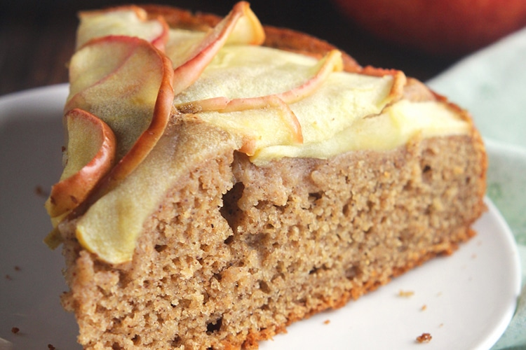 simple-cinnamon-apple-cake