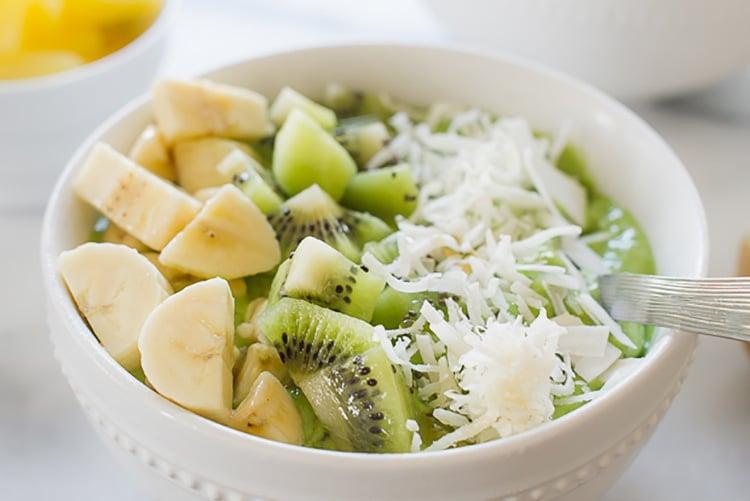 Green Smoothie Bowl | www.kitchenconfidante.com