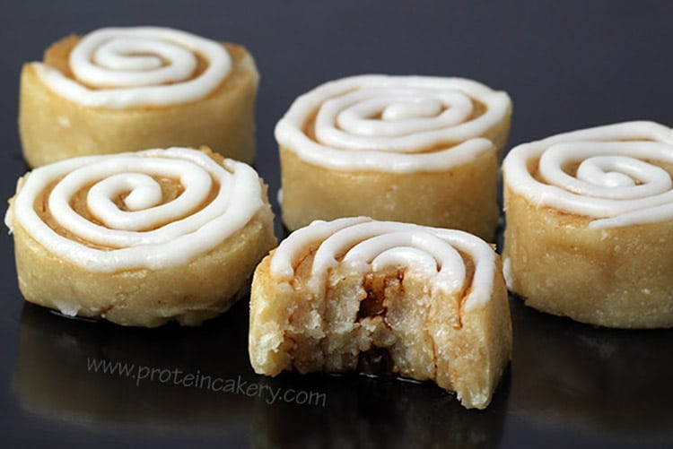 cinnamon-roll-protein-bites-protein-cakery