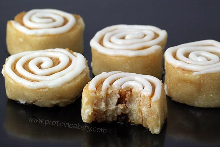 cinnamon-roll-protein-bites-protein-cakery