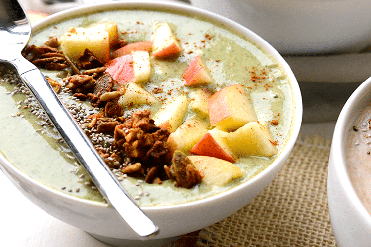 green-apple-pie-smoothie-bowl