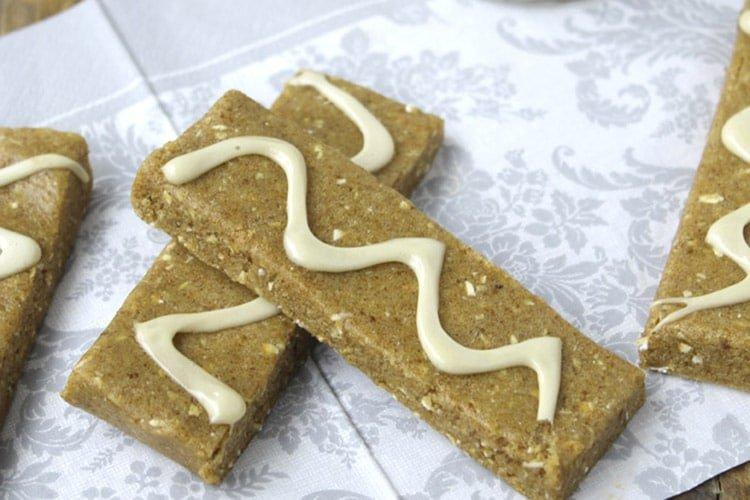 no-bake-cinnamon-roll-protein-bars-2