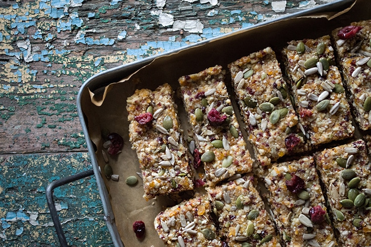 quinoa-fruit-nut-bars