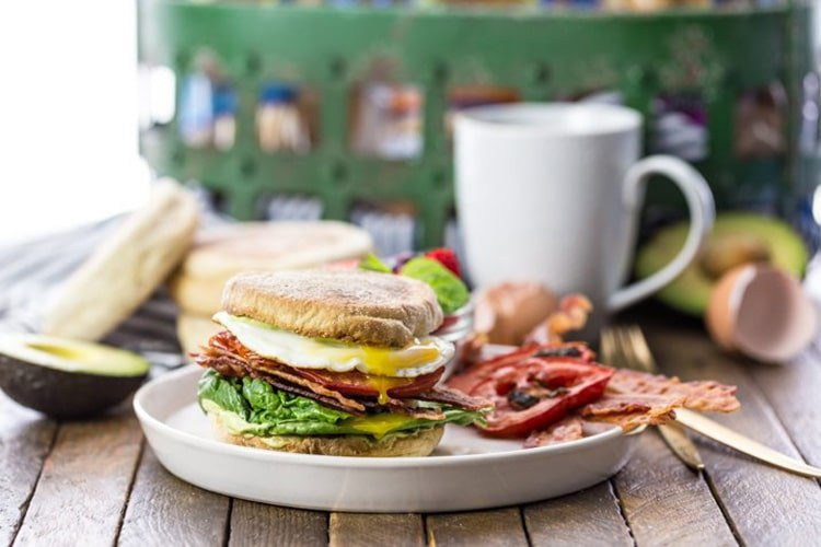 ultimate-breakfast-blt