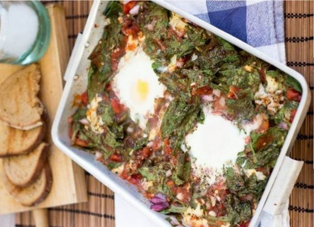 Anti-Hangover Baked Eggs in Spinach and Tomato