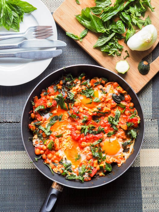 Shakshuka with Eggs, Tomatoes, and Chickpeas